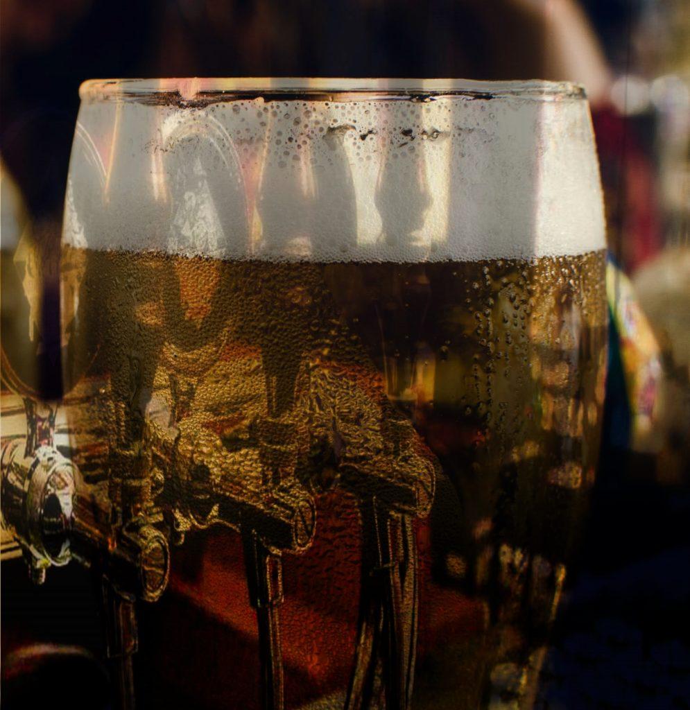 Un bicchiere di birra marbur
