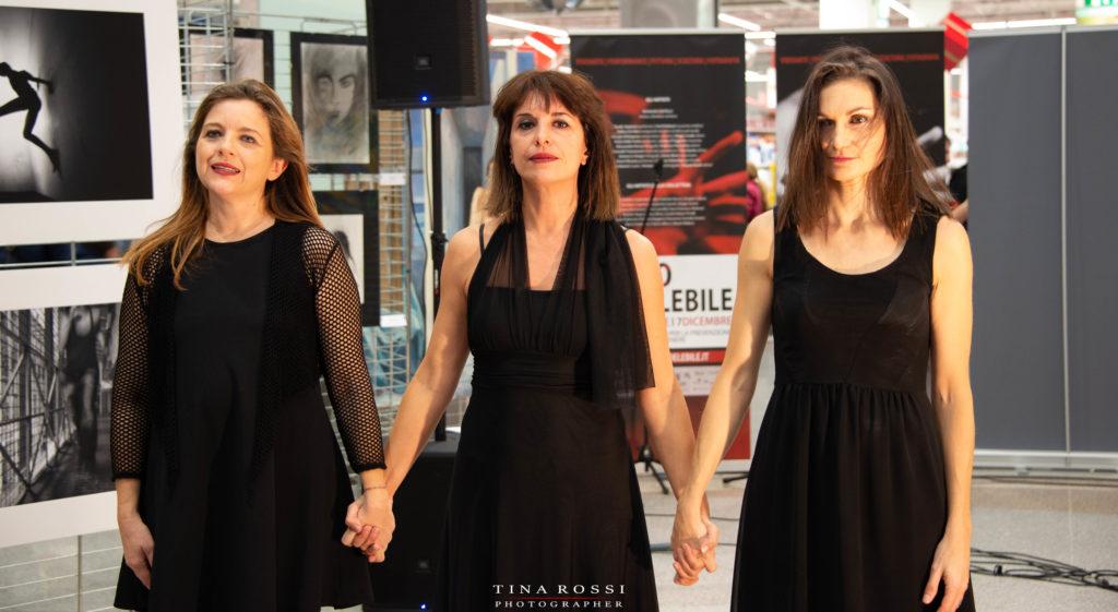 Rosalba Castelli l'ideatrice della mostra Rosso indelebile contro la violenza