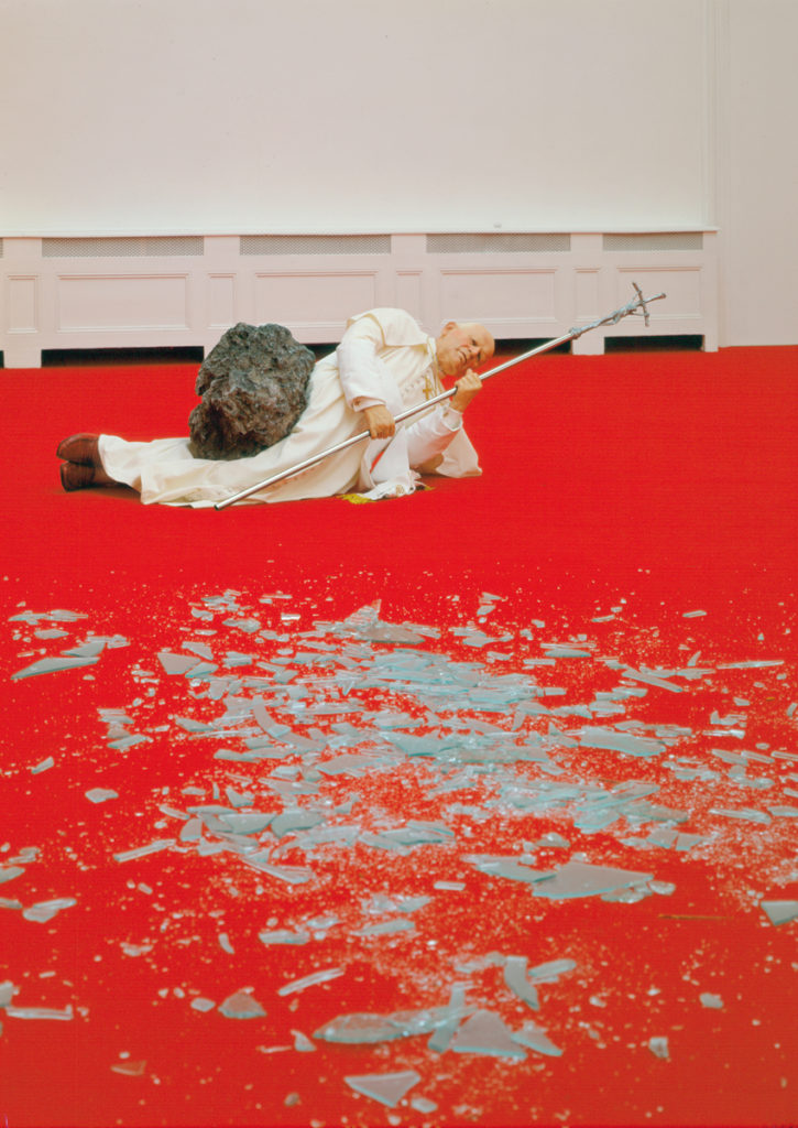 Papa Wojtyla colpito da meteorite.