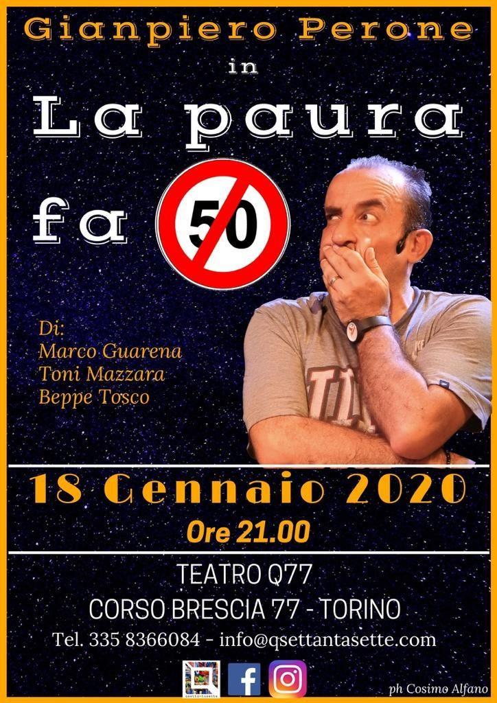 """La locandina de """"la paura fa 50"""" di Gianpiero Perone, nella foto con un espressione perplessa e la mano davanti alla bocca, il numero 50 è scritto come il cartello stradale con la striscia rossa di traverso"""