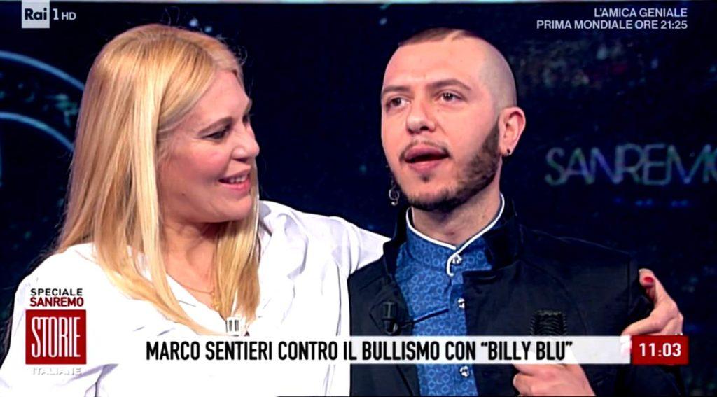 Billy Blu Marco Sentieri nella foto con Eleonora Daniele si abbracciano in trasmissione Rai