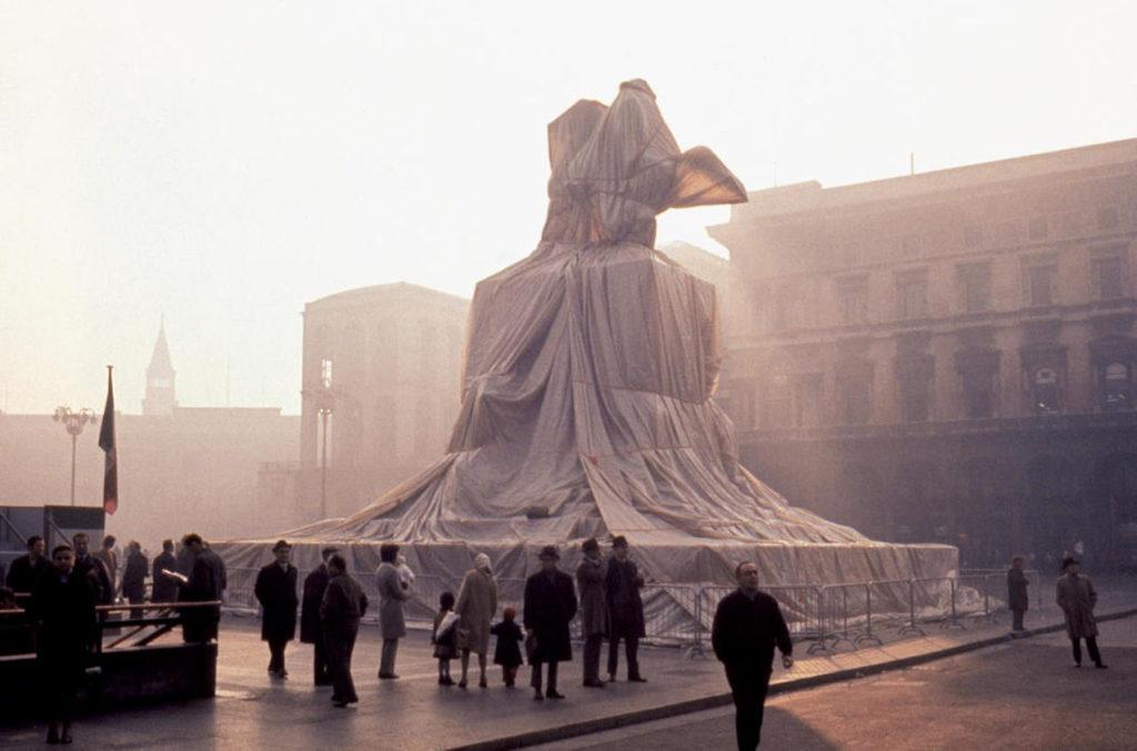 Impacchemento a Milano in piazza Duomo.