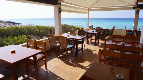 Una giornata a Formentera un dehor in spiaggia