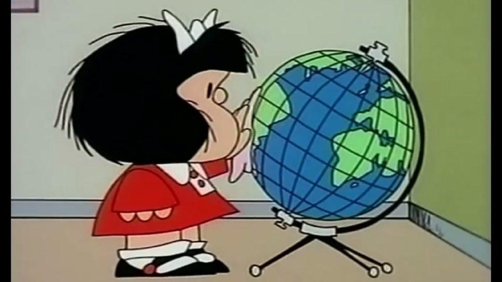 mascherina e prevenzione: Mafalda pulisce un mappamondo