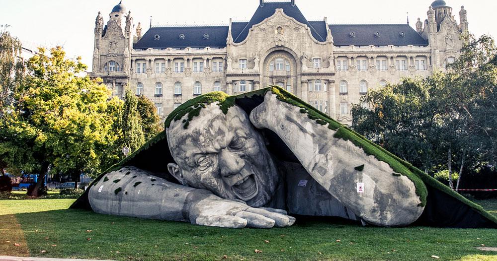 Le sculture e statue  più strane e incredibili del mondo