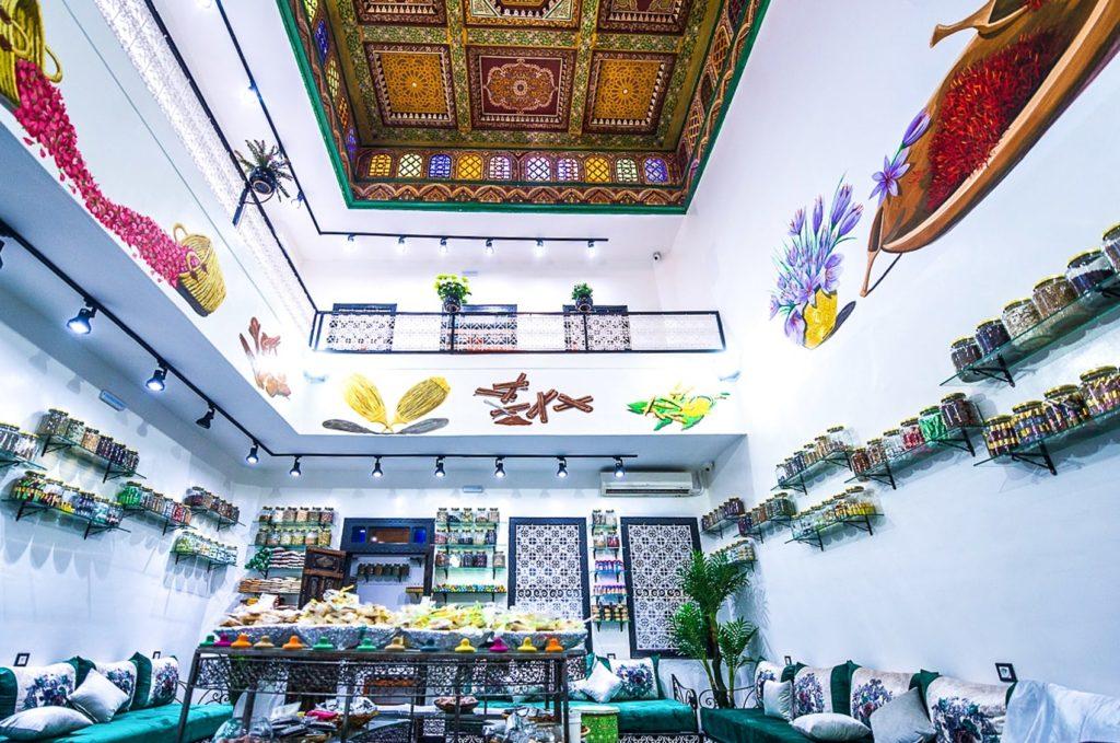 Koutoubia Herbal: Shopping Natalizio Virtuale a Marrakesh.
