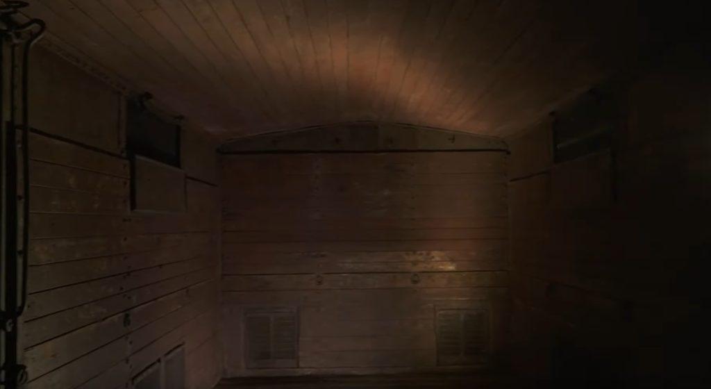 memoriale della shoah - l'interno di un vagone di legno
