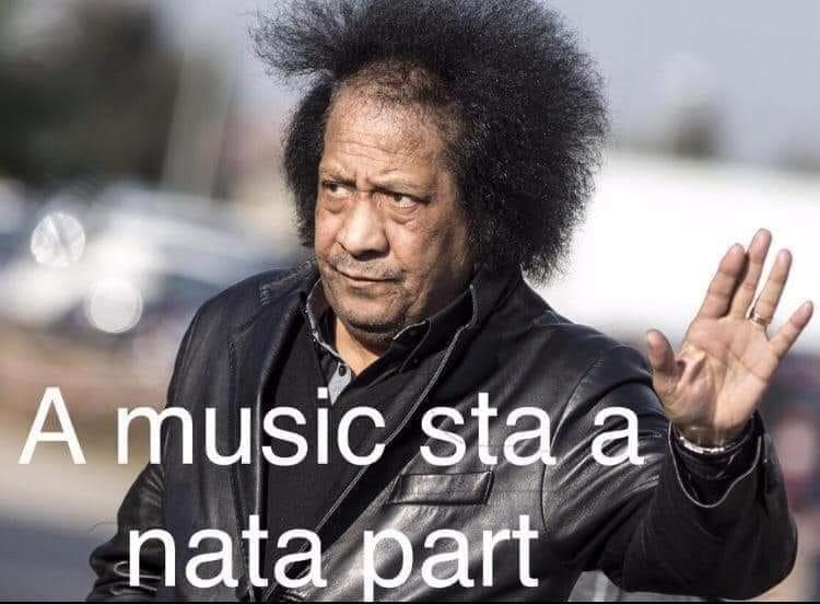 sanremo 2021 serata finale - un meme di facebook che ritrae il sassofonista james Senese