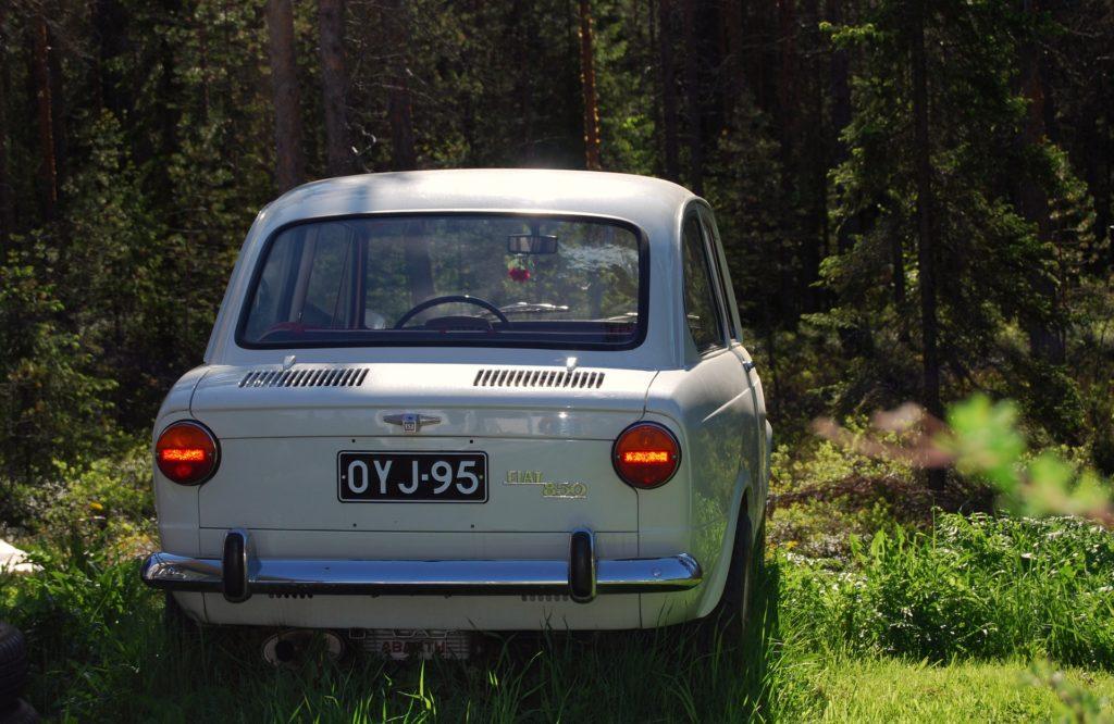 anni '60 - la fiat 850 di colore bianco