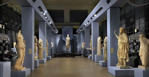 Centrale Montemartini: viaggio alla scoperta della Roma antica e moderna