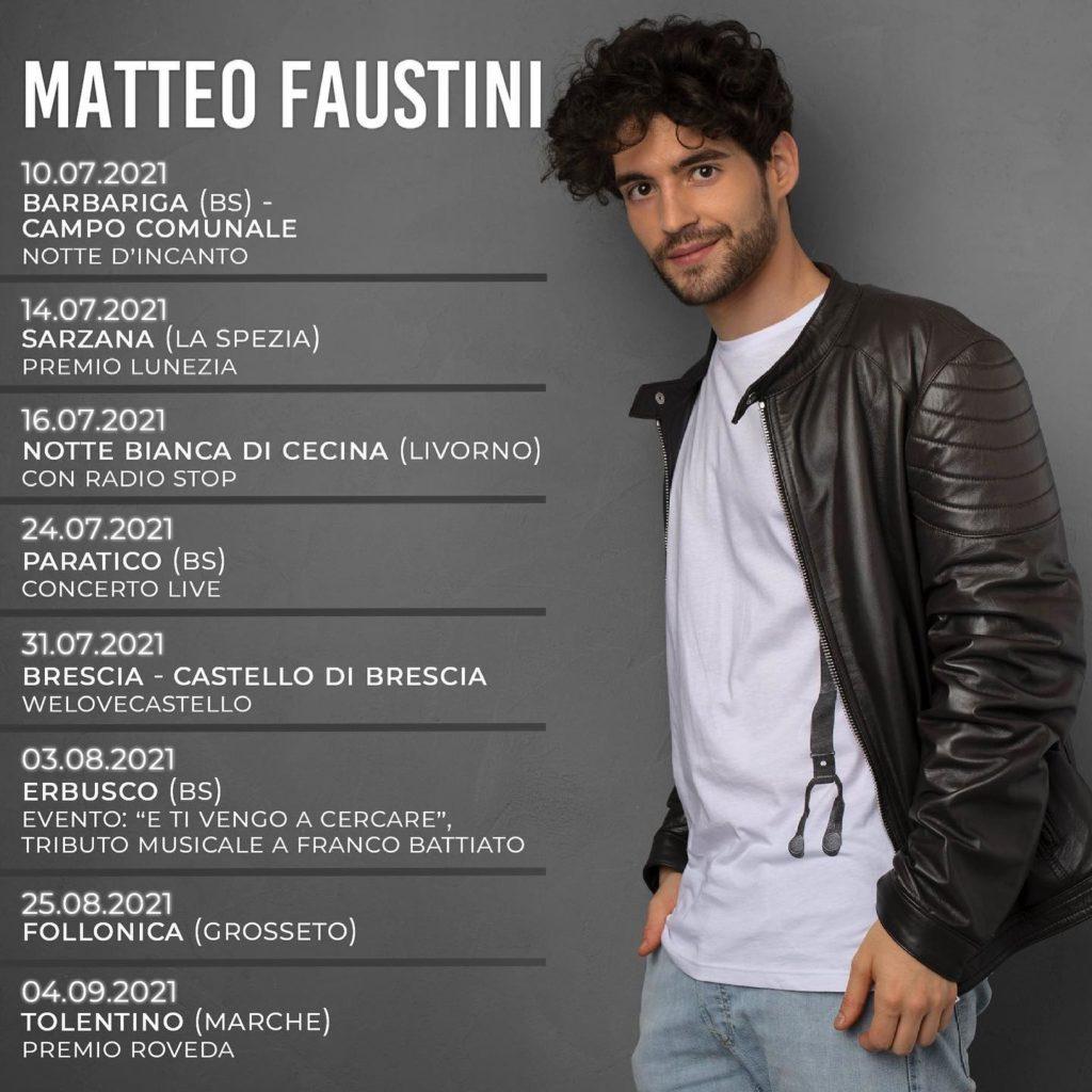 Matteo Faustini nella locandina del tour, veste jeans e maglietta bianca e giubbotto di pelle nera