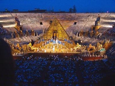 Arena di Verona, l'Opera raccontata da Pippo Baudo su RAI 3. Rappresentazione dell Aida